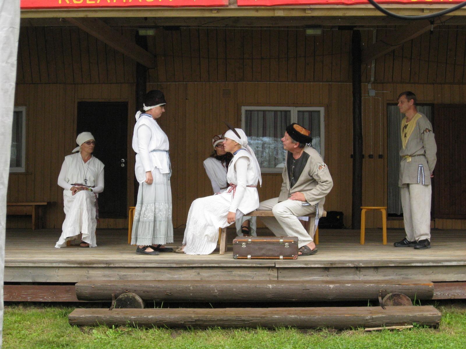 Alburahva teater- loomarahva lood